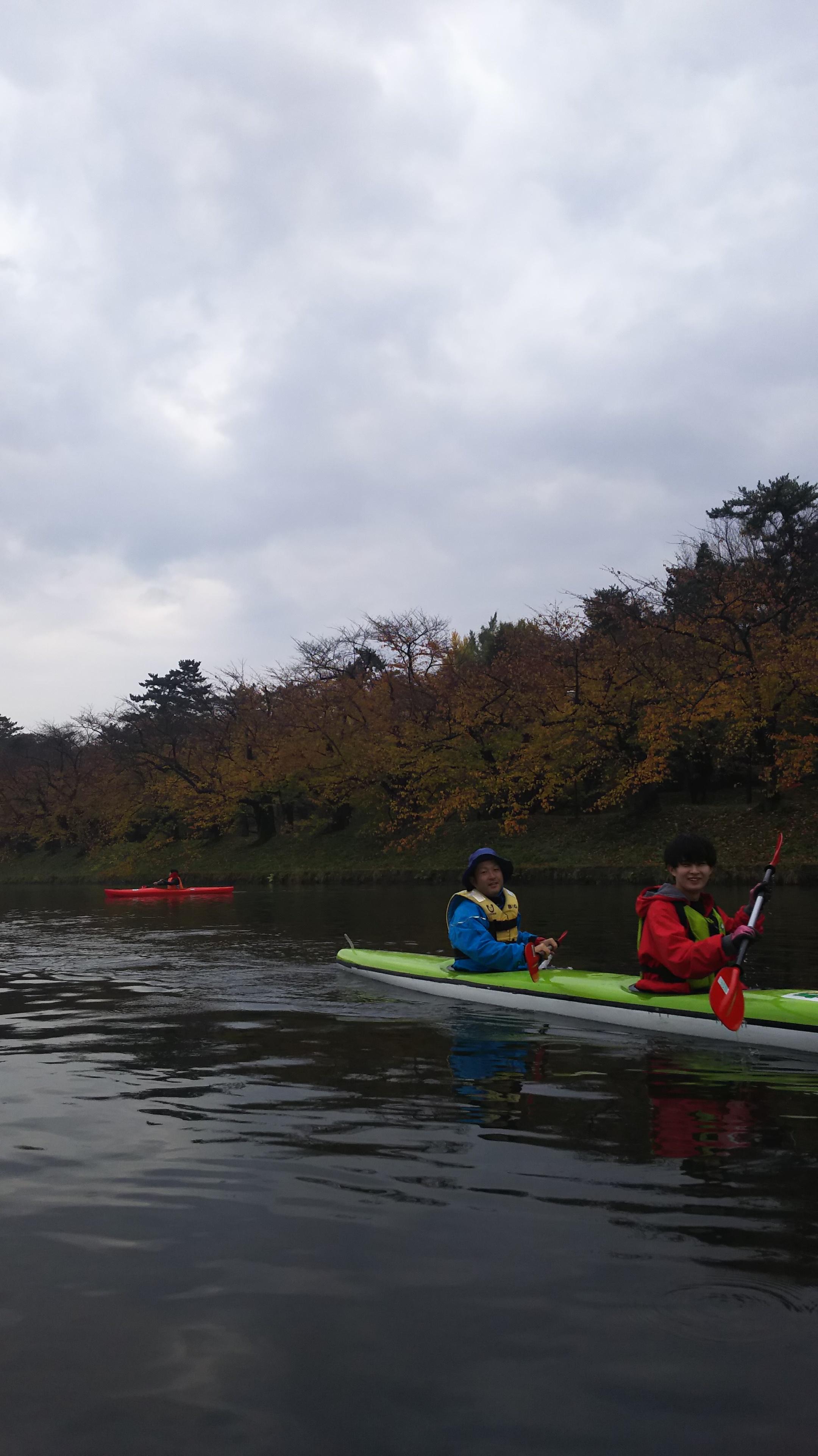 秋のカヌー体験in弘前公園
